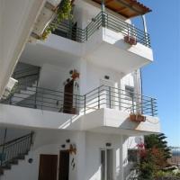 Bellos Apartmanház - Tolo