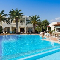 Hotel Amalthia Beach **** Kréta, Agia Marina