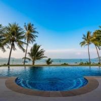 Bangkok **** 2/3éj és 7/9/12éj Hotel Village Coconut Island Beach Resort ***** Phuket