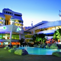 Dubai 3 éj **** és 7/9/12 éj Hotel A-one Beach Resort **** Pattaya