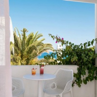 Mediterranean Beach **** Santorini (bécsi indulással)
